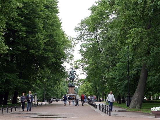 В День ВМФ петербуржцев не будут пускать в парки и скверы Кронштадта
