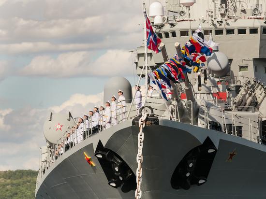Северян приглашают посмотреть прямую трансляцию парада в честь Дня ВМФ