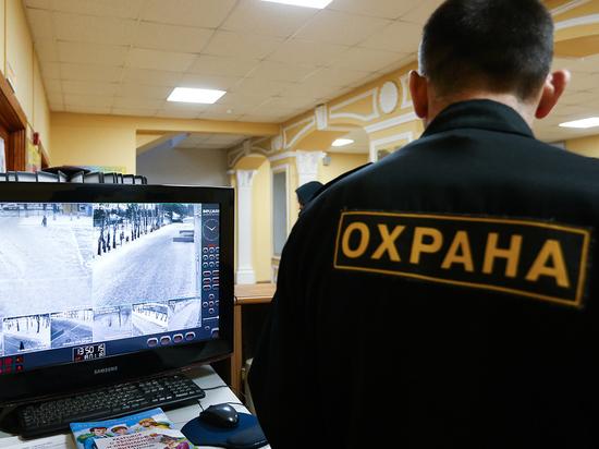 В Троицке (городской округ Новой Москвы) в июле этого года стартовал любопытный эксперимент: для поддержания общественного порядка городская администрация привлекла частную охранную организацию, выставившую в городе патрули из охранников-чеченцев