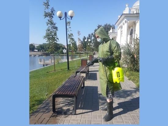 В Астрахани власти проводят дезинфекцию мест общественного пользования