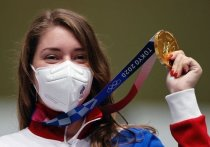 У российской команды в Токио есть первая золотая медаль: стрелок Виталина Бацарашкина стала первой в соревнованиях по стрельбе из пневматического пистолета на 10 метро. «МК-Спорт» рассказывает, как драматически складывался для Виталины финал.