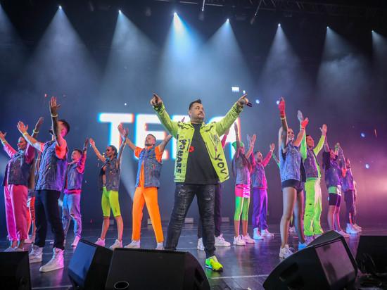 Сергей Жуков отпраздновал с уфимскими поклонниками 25-летие команды, исполнив хиты, которые стали одним из музыкальных символов середины 90-х