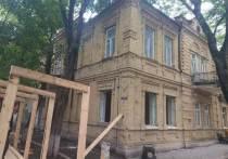 Снос старинного здания остановили в курортном Пятигорске