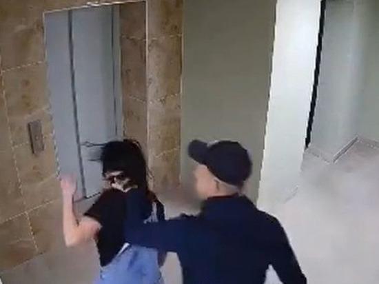 Рязанская полиция проверит инцидент с избиением девушки в подъезде многоэтажки