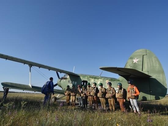 Ялтинские курсанты возобновили парашютные прыжки