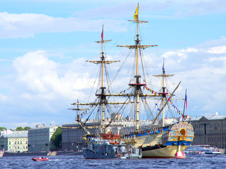 Путин принял Главный военно-морской парад и рассказал о возможностях ВМФ России