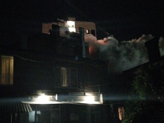В Ростове горит дом конца 19 века