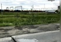 Новые ямы после очередного ремонта на Шоссейной возмутили жителей Коротчаево