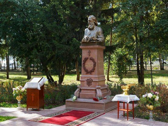 К Дню города в Тюмени откроют бюст покровителю врачей Святому Луке