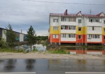 «Выпала месячная норма осадков»: в «Энерго-Газ-Ноябрьск» прокомментировали потоп на улице Муравленко