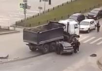 Водитель грузовика был пьян: в Госавтоинспекции рассказали подробности аварии с 2 пострадавшими в Новом Уренгое