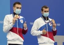 Первая медаль сборной России в бассейне: Александр Бондарь и Виктор Минибаев заняли третье место в синхронных прыжках с 10-метровой вышки
