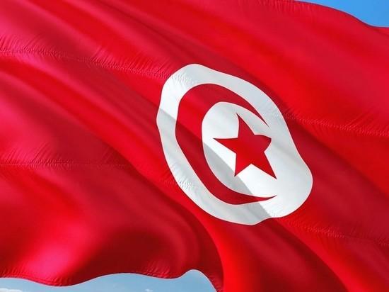 Президент Туниса уволил глав Минобороны и Минюста