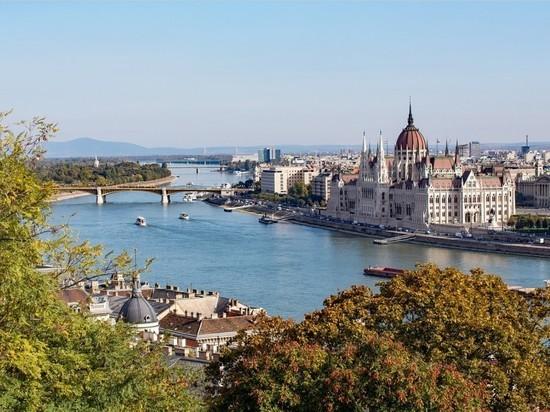 Венгрия разрешила привитым от коронавируса россиянам въезд в страну