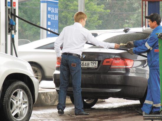 Россия заняла второе место в Европе по дешевизне бензина Аи-95, а по его доступности для граждан — только 16-е