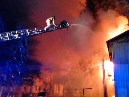 В Нефтеюганске потушили пожар в жилом доме и устанавливают его причины