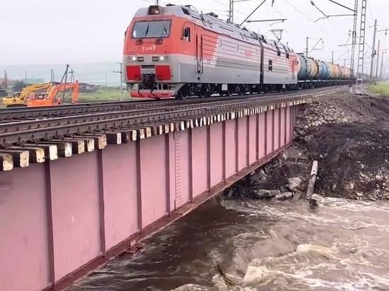 Движение по мосту на Транссибе полностью восстановили раньше срока в Забайкалье