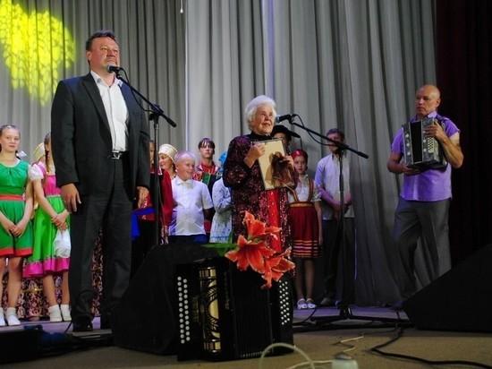 В Кировской области поздравили старейшую частушечницу