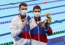 Вторник, 27 июля, стал для России очередным счастливым и историческим на Играх в Токио: наши пловцы завоевали две медали на дистанции 100 метров на спине. Золотая медаль — первая для России за 25 лет — у Евгения Рылова, серебряная — у Климента Колесникова.