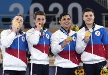 Если честно, то только в тот час трех золотых медалей команды России, завоеванных подряд, лично я поняла: Олимпийские игры идут, и они стопроцентные