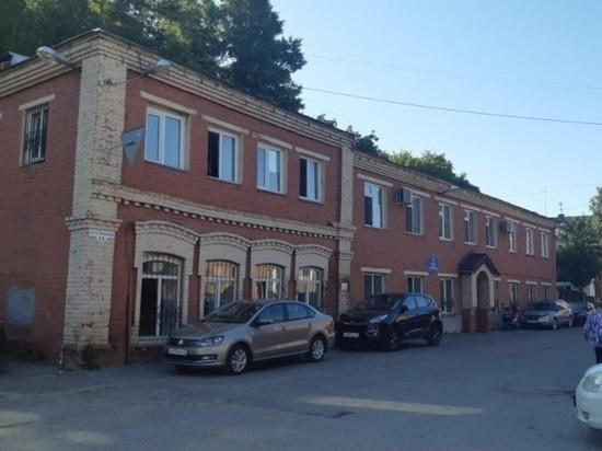 Старинное кирпичное здание в центре Томска пойдёт с молотка