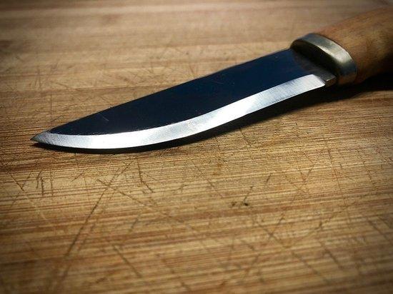 Петрозаводчанин, укравший в магазине банку мясных консервов, угрожал продавцу ножом