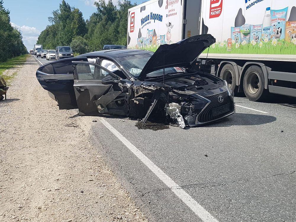 На объездной дороге г.Волжска столкнулись Лада и Lexus