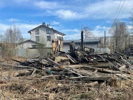 Администрация Петрозаводска собирается обратиться в суд из-за руин дома