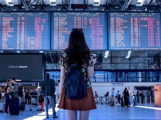Российские туристы смогут прилететь в Италию из Венгрии при наличии green pass