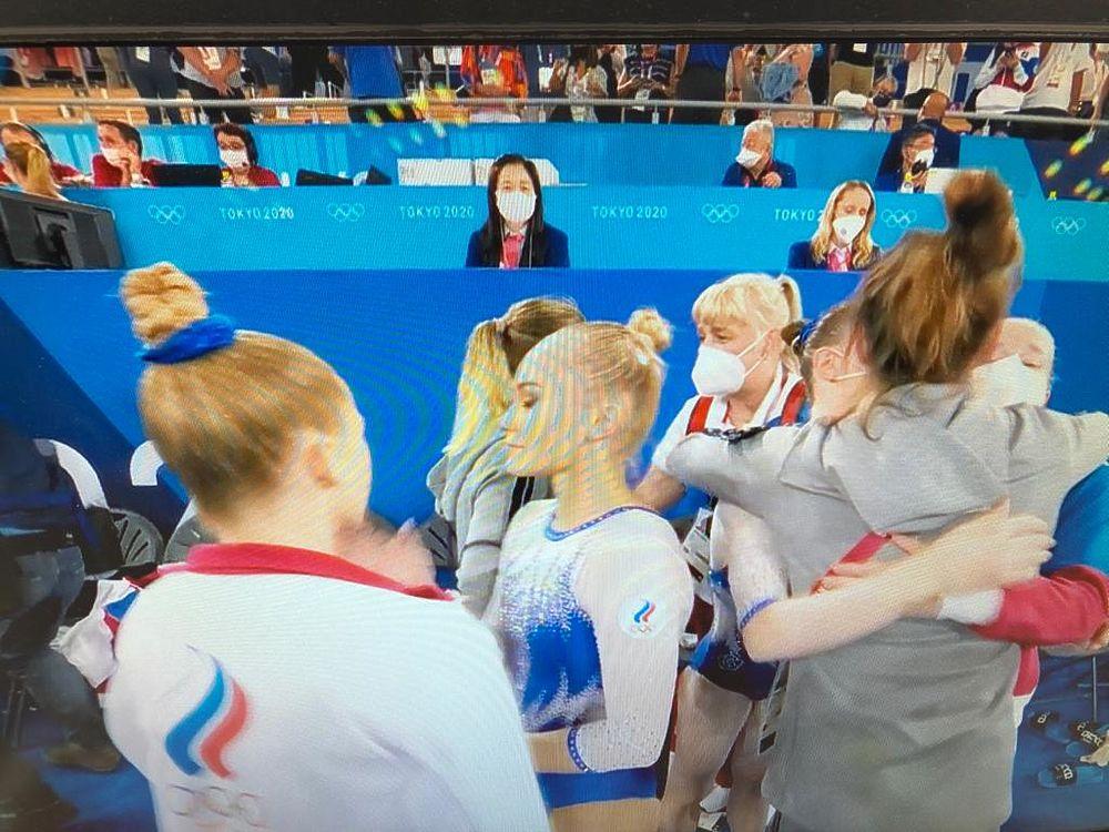 Появились кадры российских спортивных гимнасток после победы на Олимпиаде