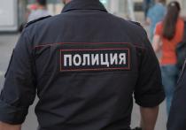 Москвич показал полицейским гениталии и напал на сотрудника