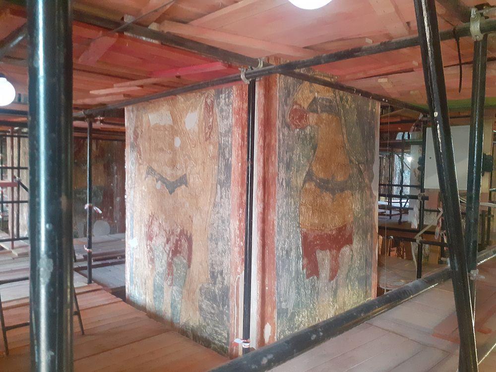 Фрески 16-го века нашли в Новодевичьем монастыре: кадры реставрации