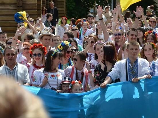 Большинство украинцев отказались считать себя единым народом с россиянами
