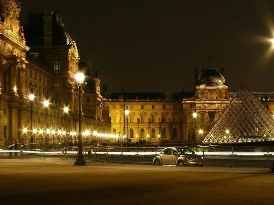 В Париже неизвестный на скутере ограбил ювелирный магазин на 2 миллиона евро