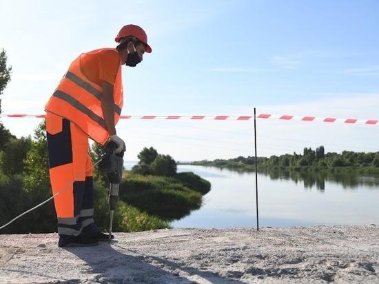 В Астрахани к сентябрю откроют две полосы на Милицейском мосту