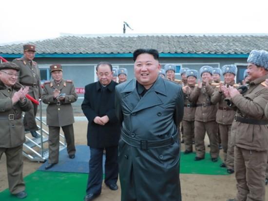 Ким Чен Ын сравнил пандемию коронавируса с войной