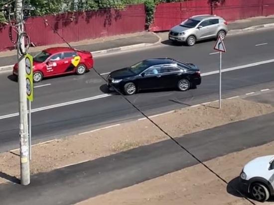 Владимир Волков, мэр Ярославля, не стал замалчивать случай грубейшего нарушения правил дорожного движения, которое совершил водитель из кортежа мэрии