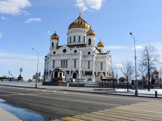 Мошенники обманули иерея храма Христа Спасителя на 92 тысячи рублей