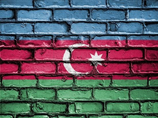 Азербайджан согласился на предложение России прекратить огонь на границе с Арменией