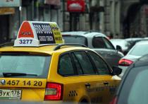 Таксистам Петербурга хотят разрешить работать в Ленобласти