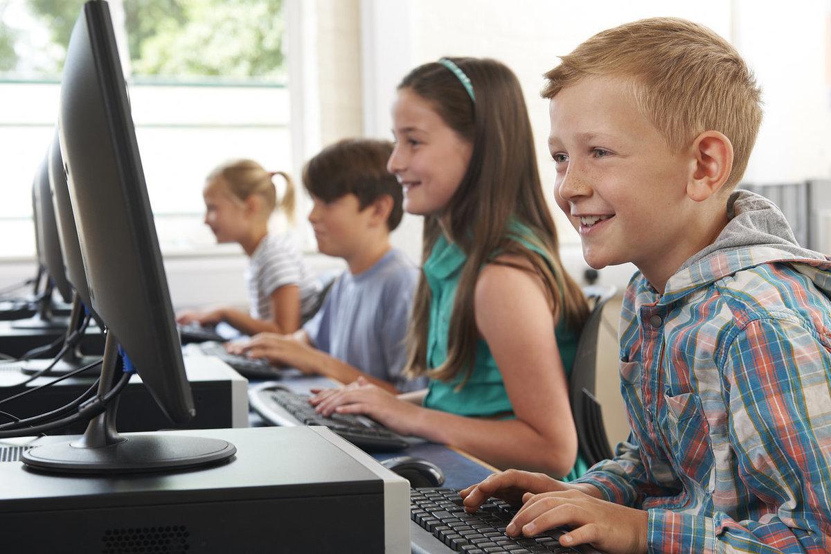 По единому тарифу: школы РФ не должны переплачивать за подключение к сети