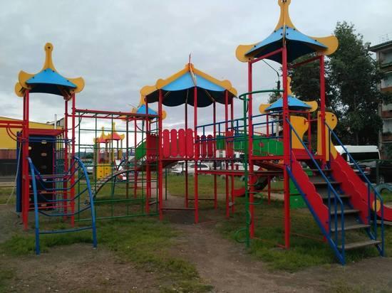 В Улан-Удэ в микрорайоне Сокол обновили спортивную и детскую площадки