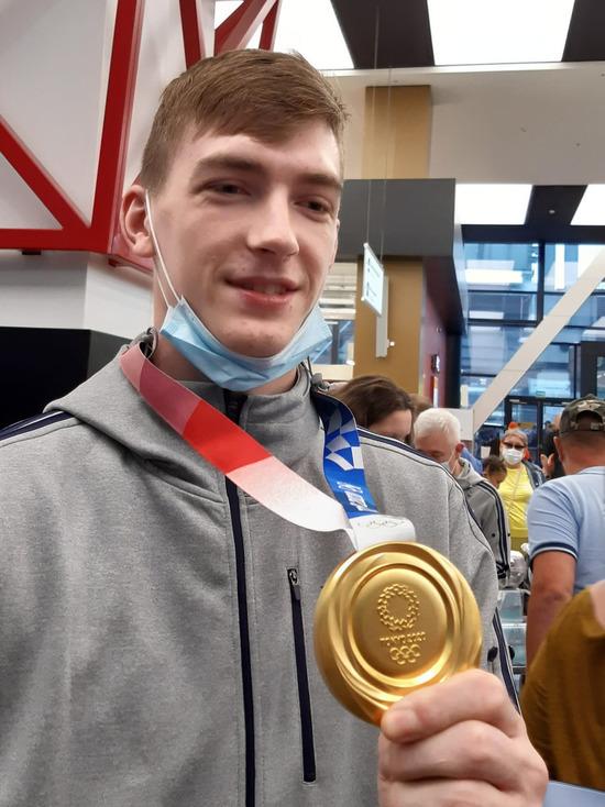 Золотые медалисты по тхэквондо прилетели в Шереметьево