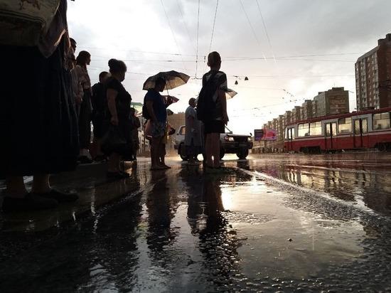 Реки разливанные: как Петербург затопило во время грозы