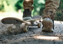 Песок и камни: жители Ноябрьска просят привести в порядок размытую ливнем дорогу