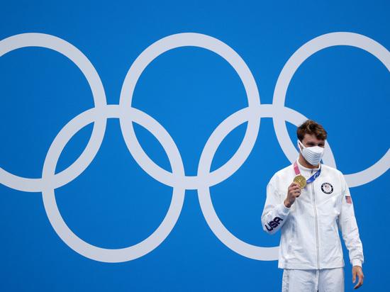 Пловец из США Роберт Финке выиграл дистанцию 800 м