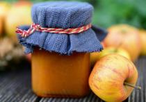 В последний месяц лета начинается сбор яблок, груш и слив