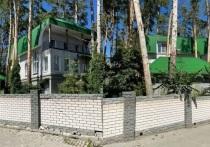 Недавно в Барнауле выставили на продажу коттедж бывшей совладелицы скандально известного холдинга «Изумрудная страна» Ольги Антипиной