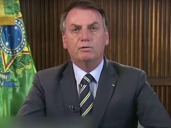 Президент Бразилии назвал варварством меры против COVID-19