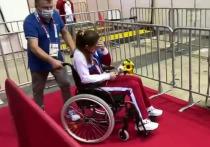 Взявшую «золото» Олимпиады рапиристку Мартьянову увезли в инвалидном кресле